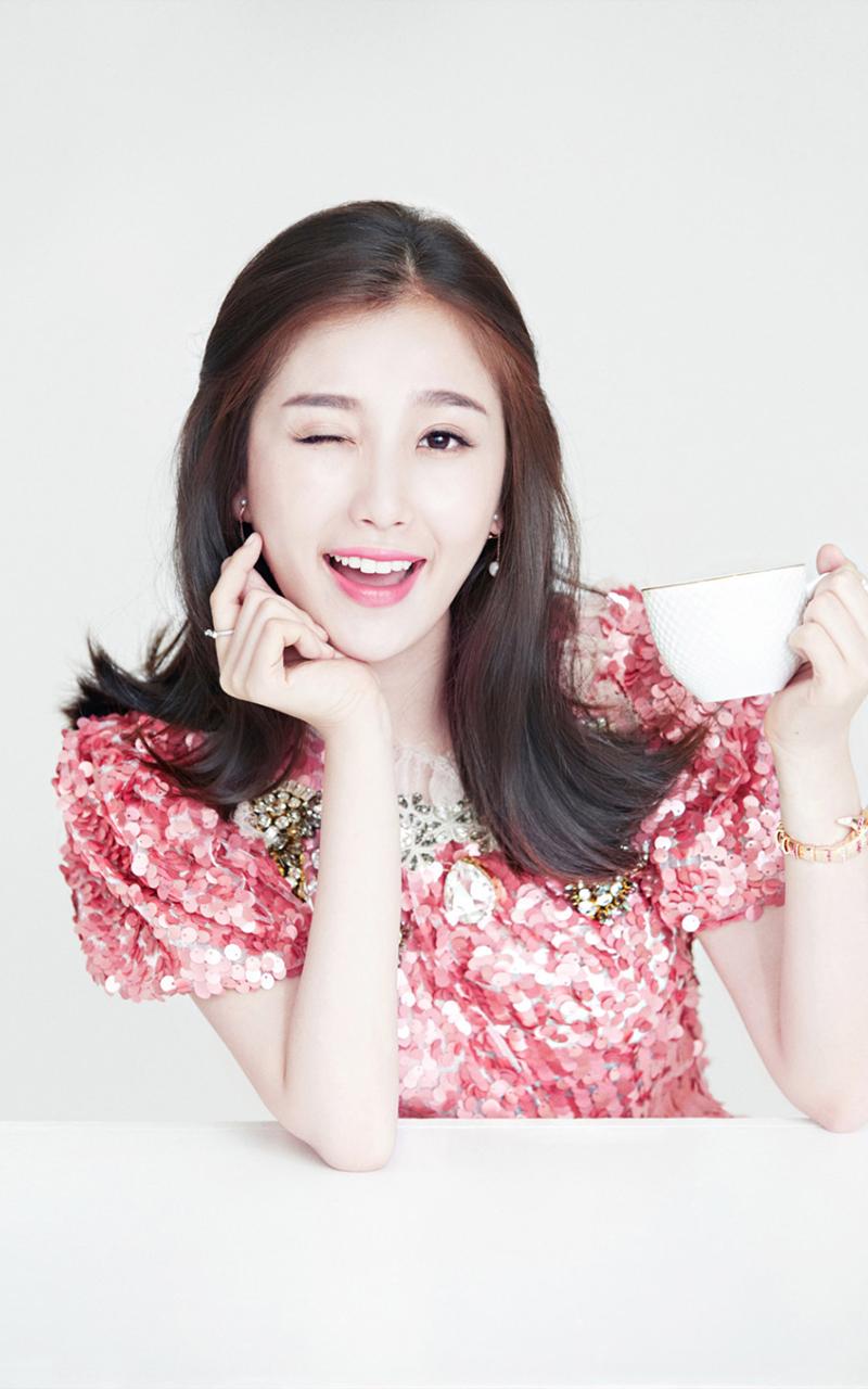 可爱美女手机壁纸--可爱美女手机高清壁纸大全
