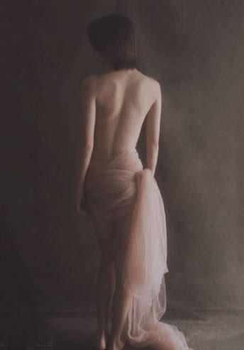 性感尤物美女透明薄纱长裙大胆裸背极致诱惑图片