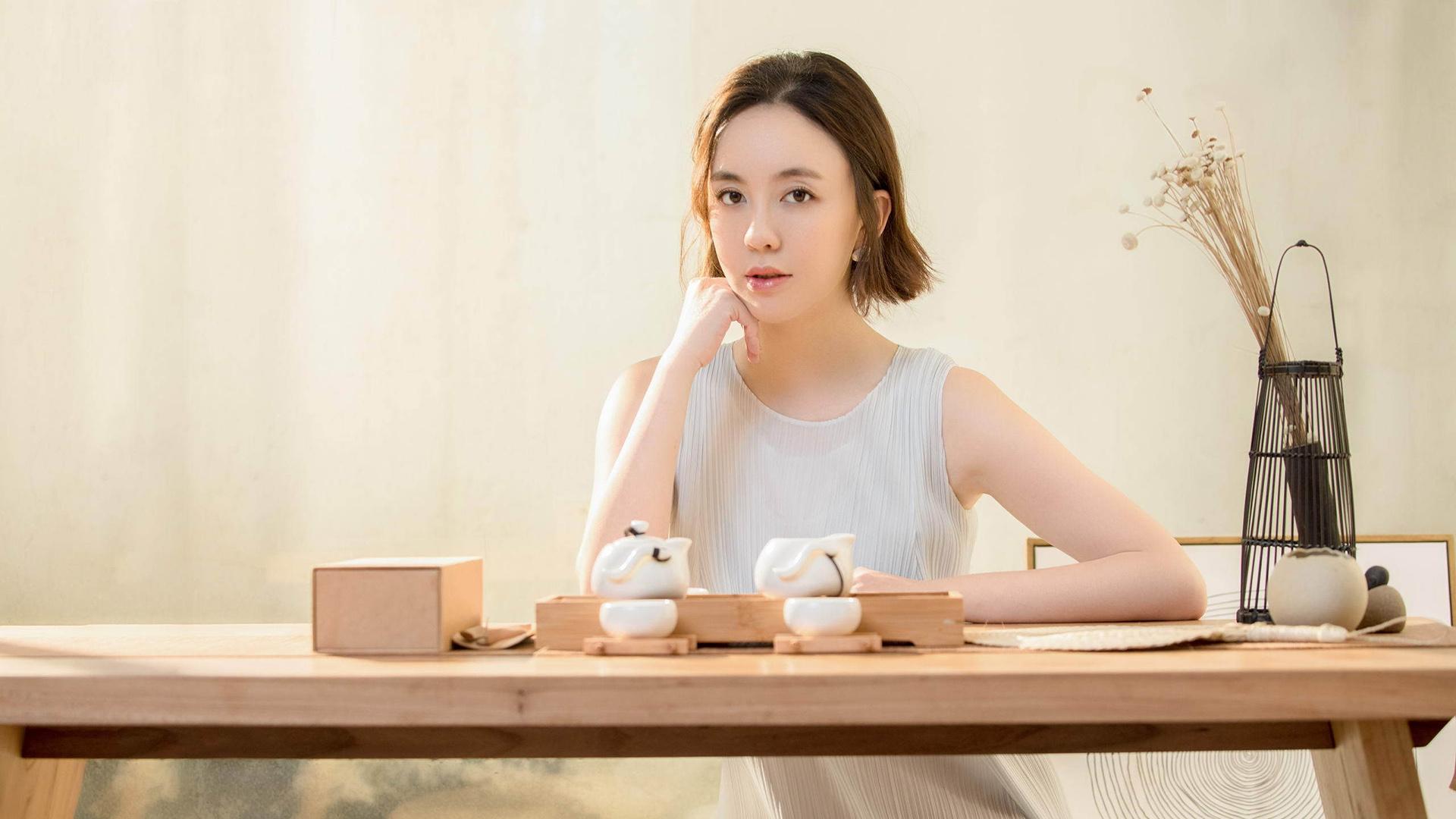 内地女演员吕佳容性感写真经典win7桌面壁纸大全