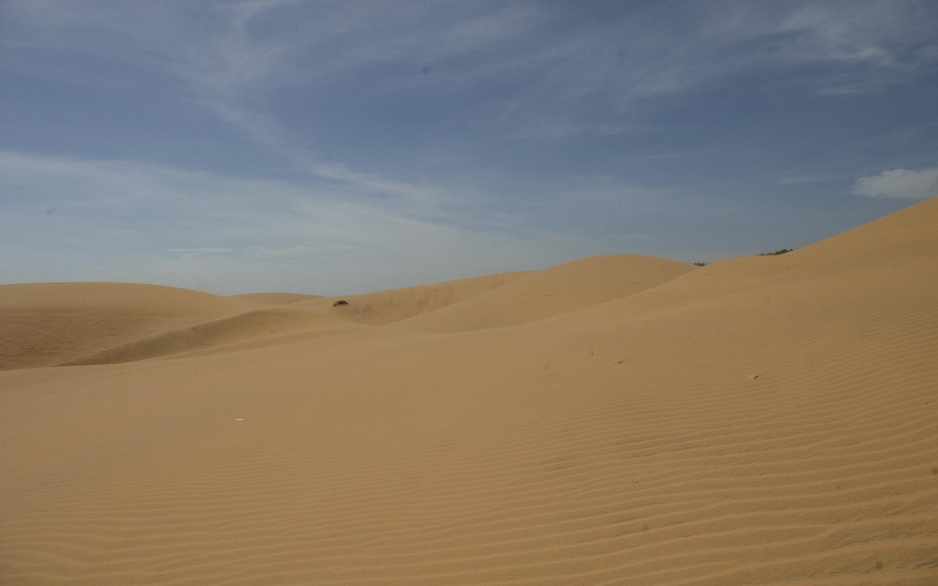中国最大的沙漠自然风景高清宽屏桌面壁纸