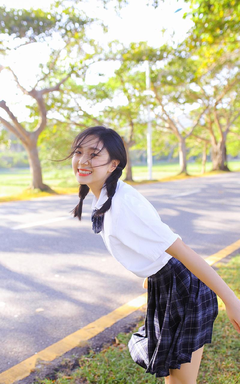 性感美女学生韩式麻花辫jk制服超短裙图片
