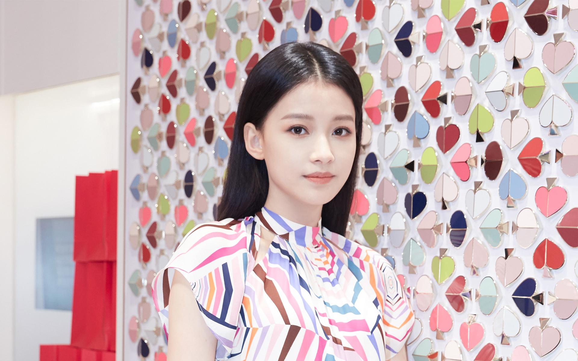 孙怡小清新甜美活动写真高清桌面壁纸