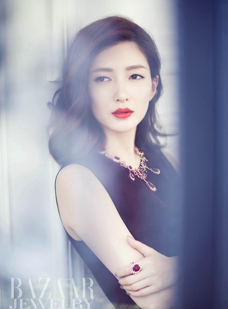 美女明星江疏影时尚芭莎杂志写真图片