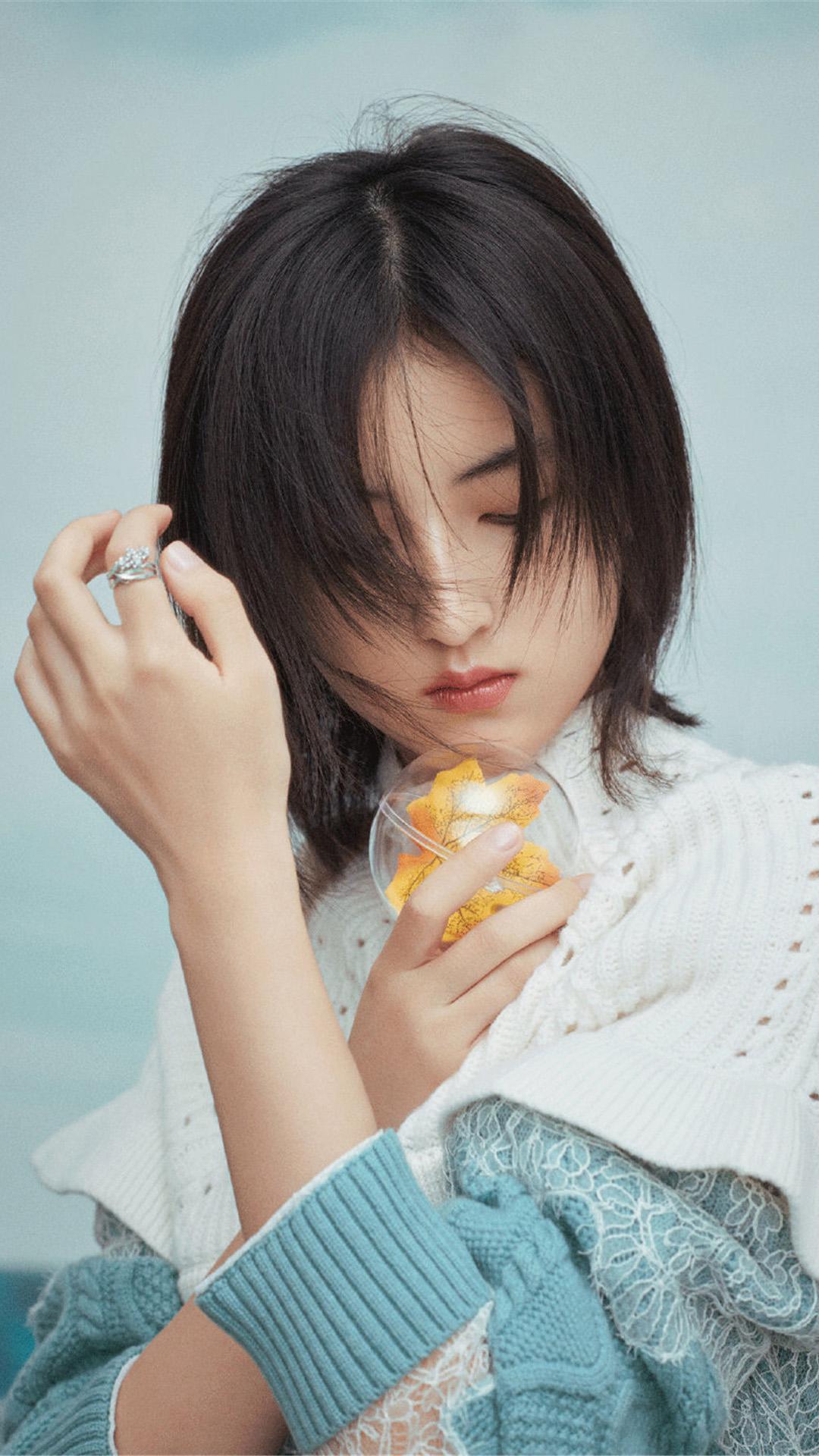张子枫STARBOX鬼马少女感时尚电子杂志写真大片