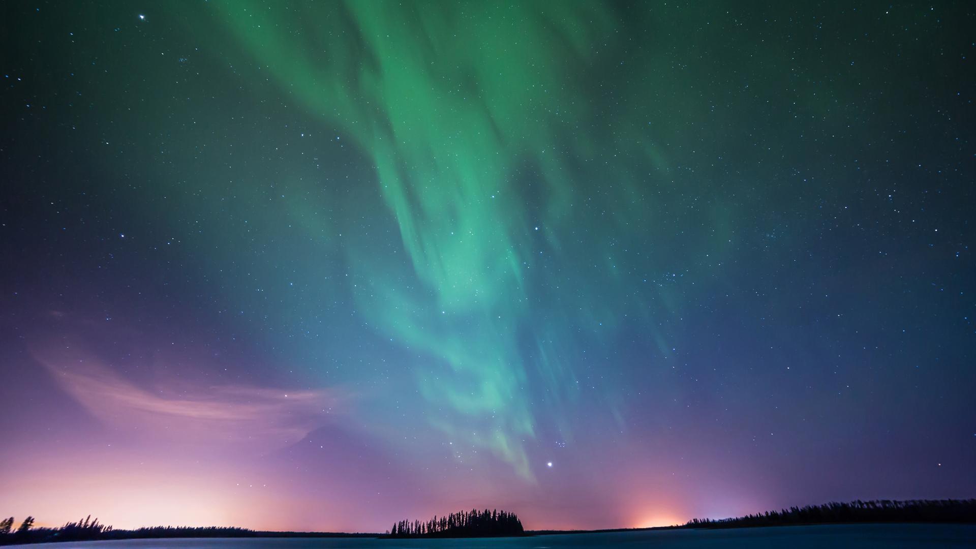 绿色蓝色紫色红色星空星云美景图片壁纸