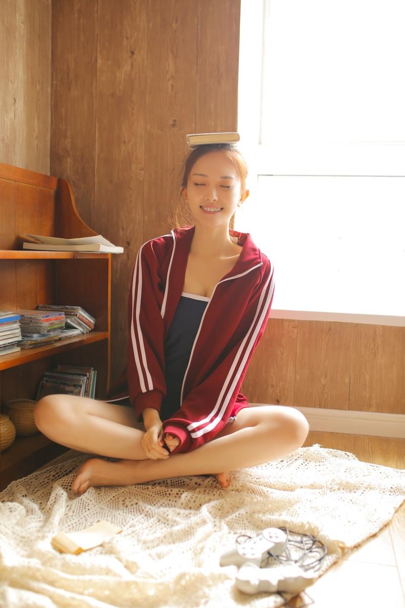 日本死库水泳衣少女长腿翘臀私房写真集