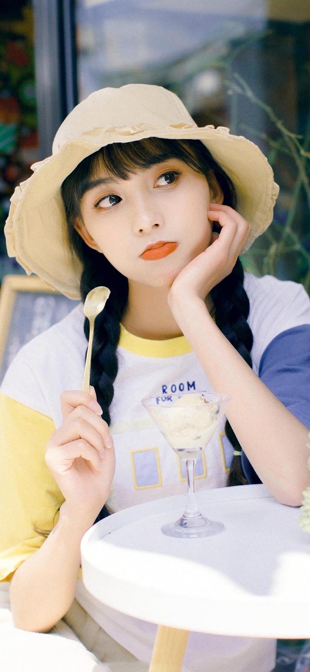 可爱元气美女小清新甜美日系少女写真集