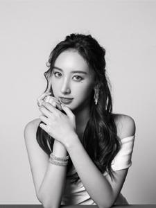 中国香港女歌手许靖韵