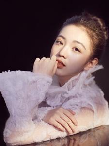 中国内地女演员代露娃